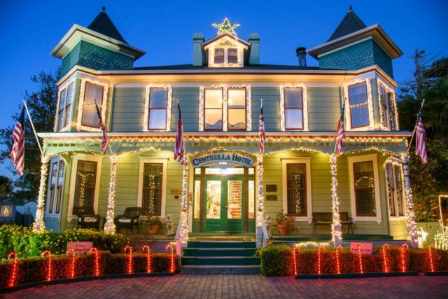 Christmas at the Inns Pacific Grove