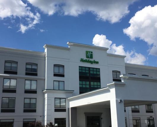 Exterior & Hotel Entry