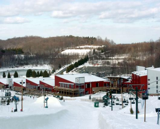 BearCreekMountainResort_ExteriorWinter01_DiscoverLehighValley
