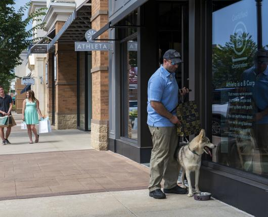 Pet Friendly Lehigh Valley: The Promenade Shops at Saucon Valley