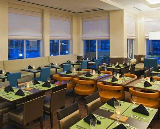 HiltonGardenAirport_Dining01_DiscoverLehighValley