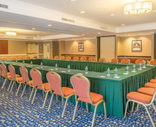 meeting space: rectangle layout