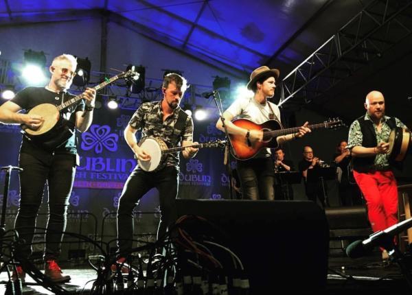 Dublin Irish Festival We banjo 3