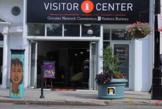 visitorsCenter_exteriorStill