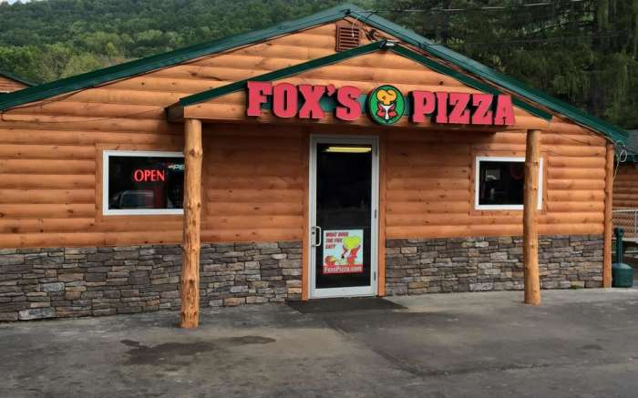Fox Pizza Den