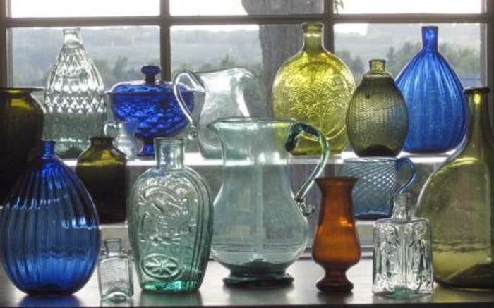 Bacalles Glass Shop Display