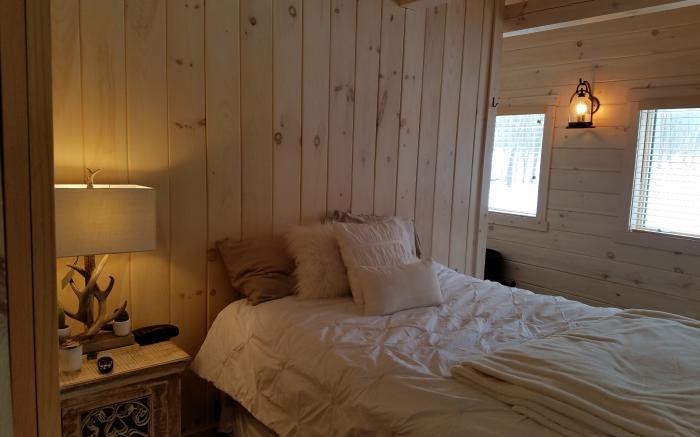 Bedroom # 2  Queen Bed , HDTV