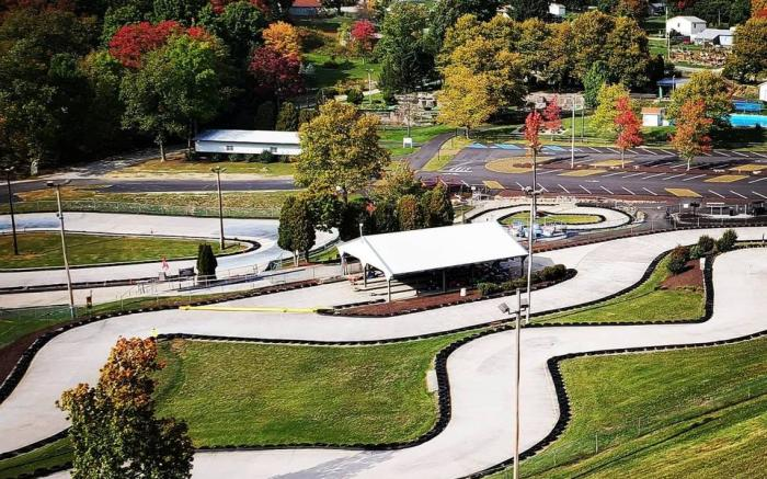 Caddie Shak is a Family Entertainment Center located in the beautiful Laurel Highlands.