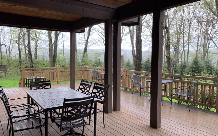 Covered outdoor dining and sundeck