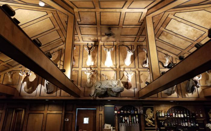 Hansley's Bar & Grill