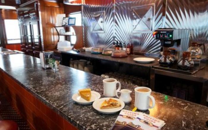 Diner: coffee & pie