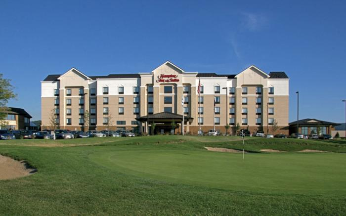 Hampton Inn & Suites at Chestnut Ridge Resort