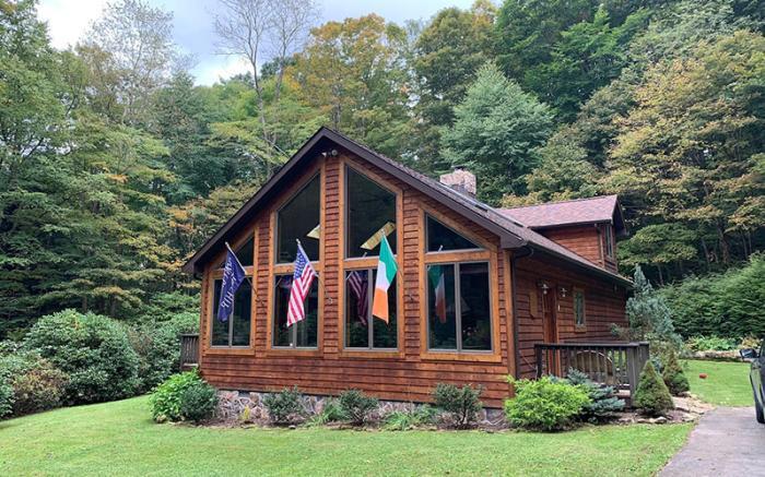 Laurel Springs Lodge