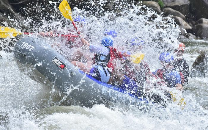 Big splash while rafting