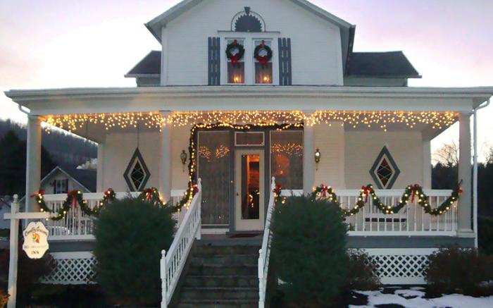 Christmas at Country Seasons Bed & Breakfast