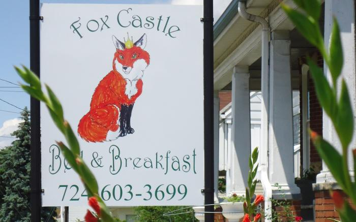 Fox Catstle Bed and Breakfast sign on Pittsburgh Street