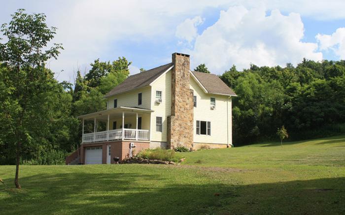 Farmhouse at Springs Pond