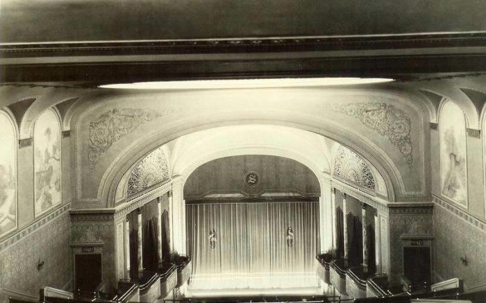 1922 from Balcony