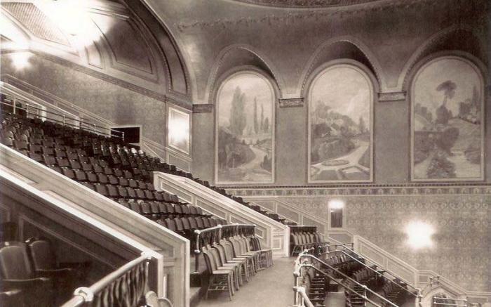 1922 Balcony