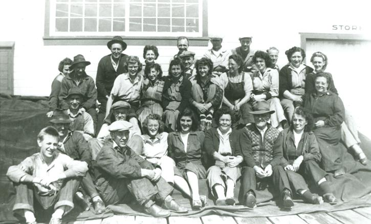 The net loft crew in 1949 - Photo: Gulf of Georgia Cannery