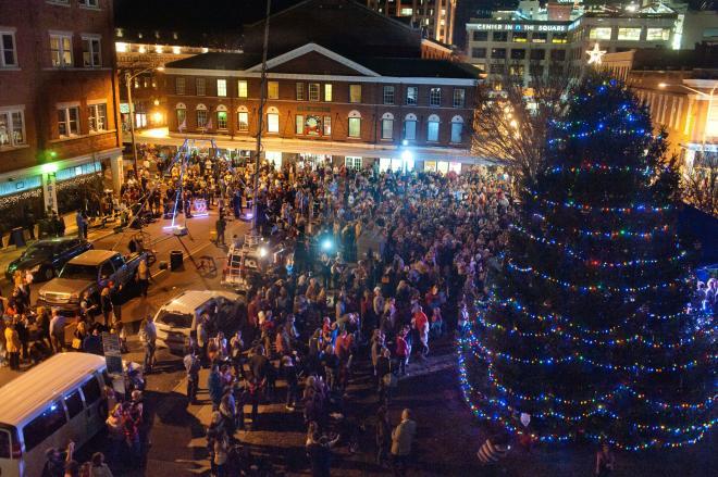 A crowd gathered around the Roanoke Christmas Tree
