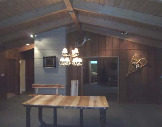 Antler Lodge at Singing Hills Retreat