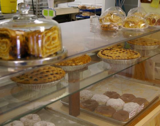 Rise 'N Roll Bakery & Deli