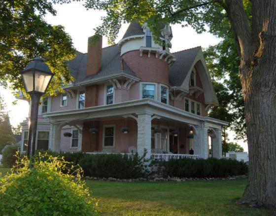 Solomon Mier Manor