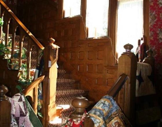 Victorian Guest House & Quilt Cottage