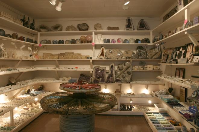 Dixie Caverns Pottery Shop
