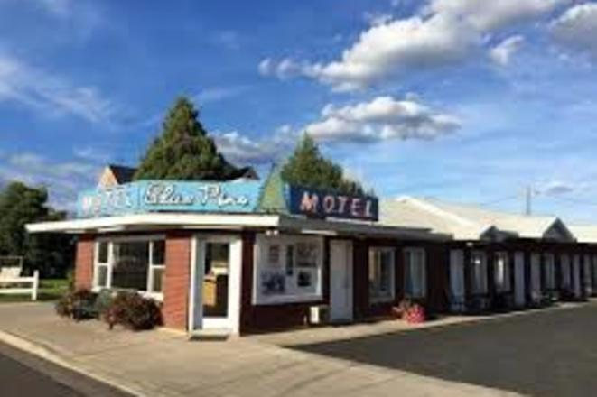 Blue Pines Motel 2