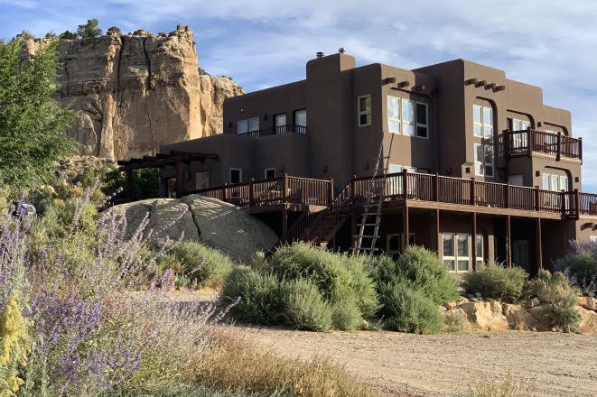 Slot Canyons Inn
