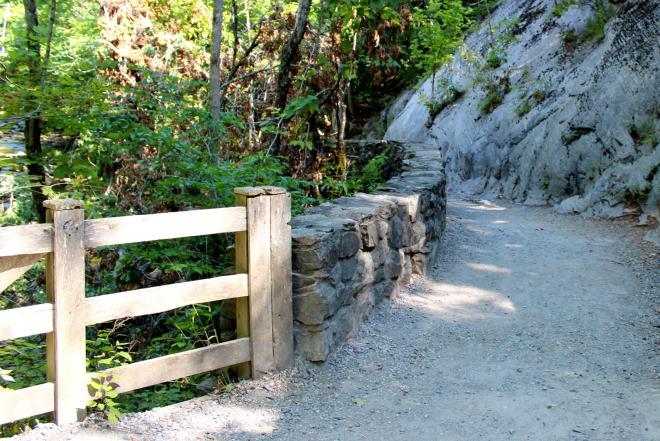 Natural Bridge State Park Hiking Trail