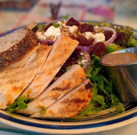 photo of salad with chicken and home made salad dressing at york street cafe in newport ky