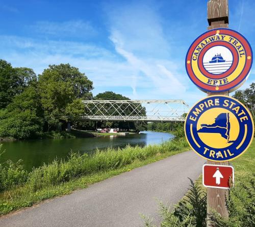 Erie Canalway Trail signage