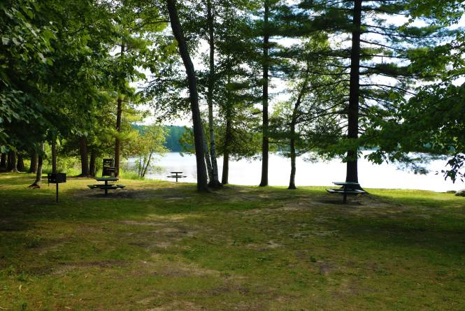Arbutus Lake No. 5 Park