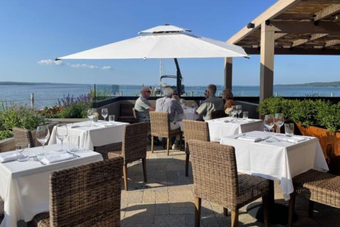 Artian Waterfront Restaurant & Tavern