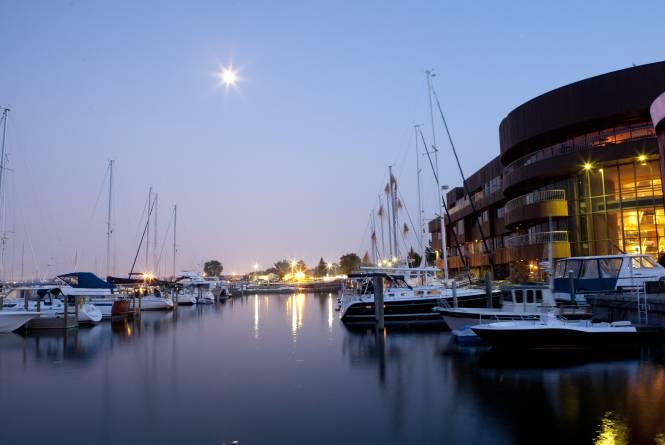 Great Lakes Sailing Company