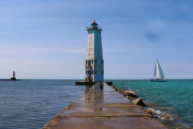 Frankfort Sailing Excursions