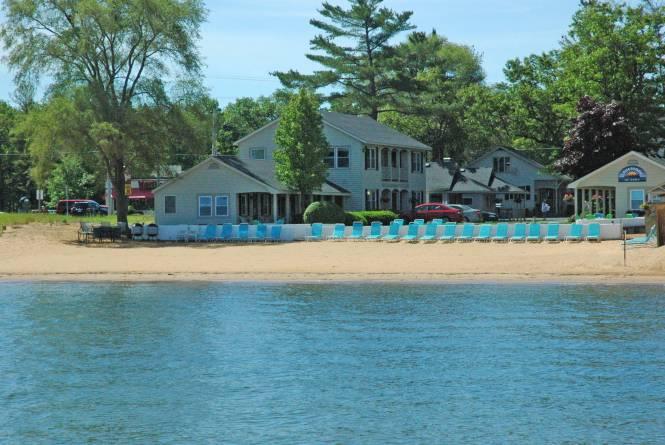 Lakeshore Resort TC
