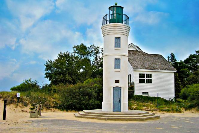 Robert Manning Memorial Lighthouse