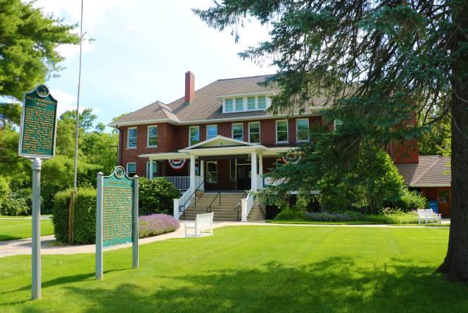Mills Community House
