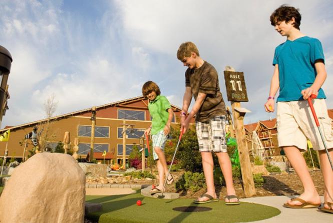 Mini Golf at Great Wolf Lodge