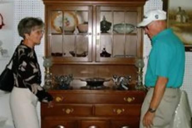 antiqueshopping.jpg