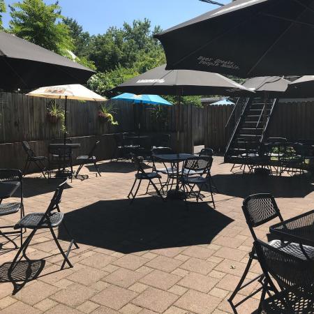 ft. mitchell pub patio