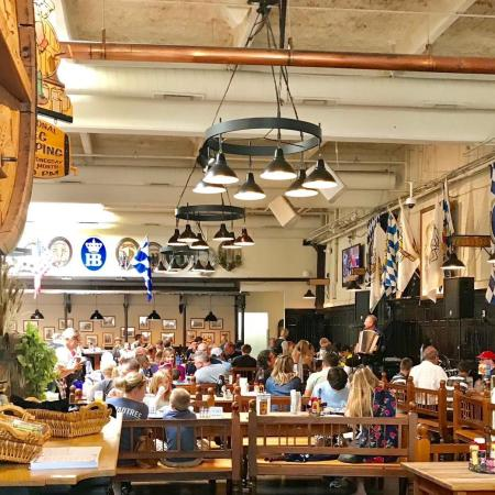 interior shot of people dining at hofbrauhaus in newport ky