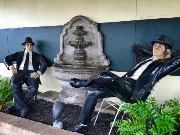 Blues Brothers Statue at Rao's Bakery in Beaumont, Tx