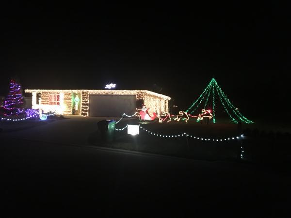 Emerald Lake Drive - Best Christmas Light Displays - SOUTH - Fort Wayne