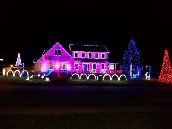 9434 White Shell Dr  - Best Christmas Lights Display - SOUTH - Fort Wayne, IN