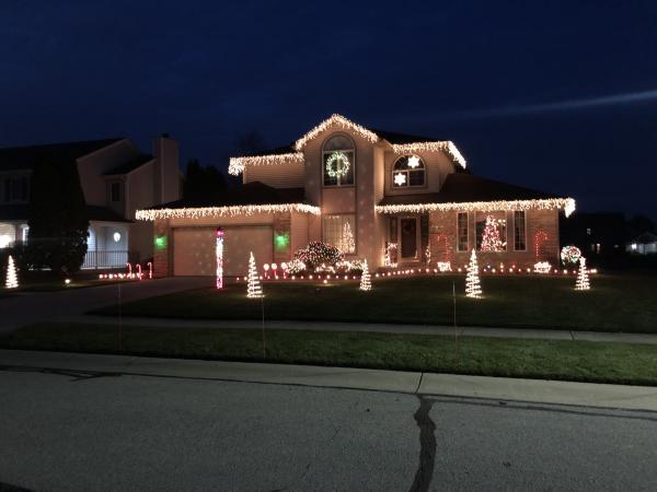 7527 Scarlet Court_Jared L - Best Christmas Light Displays in Fort Wayne, Indiana